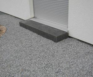 Blockstufe angepasst Granit schwarz