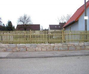 Holzzaun