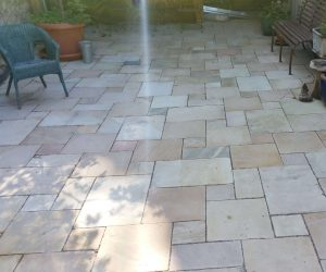 Plattenbelag-Naturstein