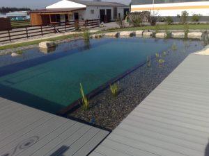 Schwimmteich mit Holzinnenrahmen